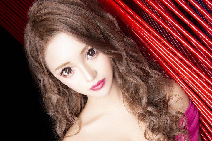 「現役女子◯◯なのにNo.1キャバ嬢!?」 美人茶屋新宿のみゆちゃんが次世代エースと呼び声高い理由とは?