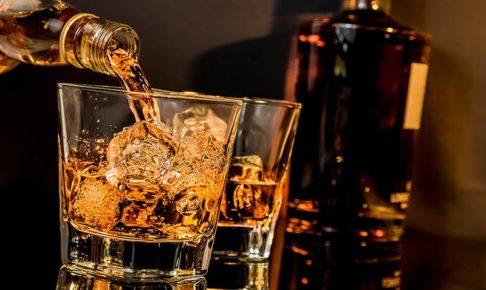 キャバクラで出る『ウィスキー』定番の種類や価格相場を知っておこう☆